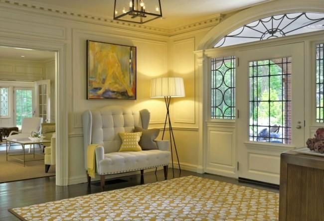 Flurgestaltung warmes Licht im Eingangsbereich