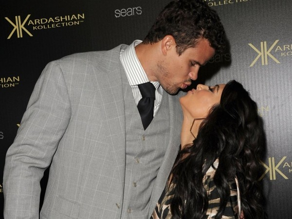 Kim Kardashian kiss mit ex mann