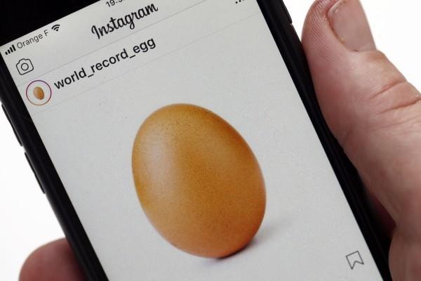 Kylie Jenner ein Handy und Instagram