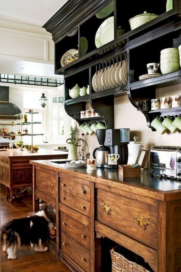 Landhausküche Unterschränke und Kücheninsel aus Naturholz