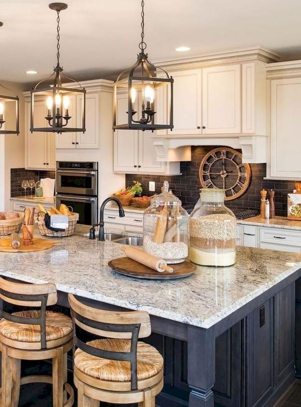Landhausküche rustikales Flair moderner Look praktische Einrichtung