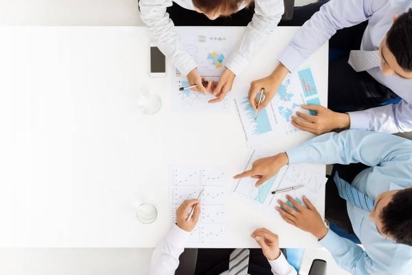 Zielsetzung 2019 clevere Tipps jährliche Sitzungen mit den Mitarbeitern durchführen