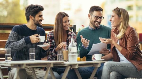 Zielsetzung 2019 clevere Tipps mit Freunden neue Pläne schmieden sich amüsieren