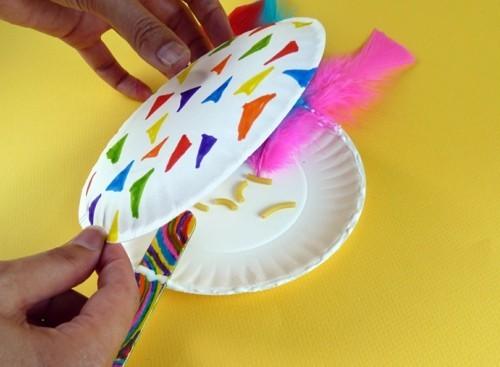 basteln mit kindern zu fasching maracas selber machen
