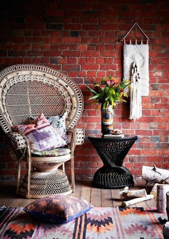 boho style wohnzimmer pfauensessel