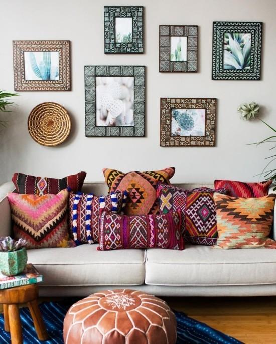 bunte dekokissen boho style einrichtungsideen wohnzimmer