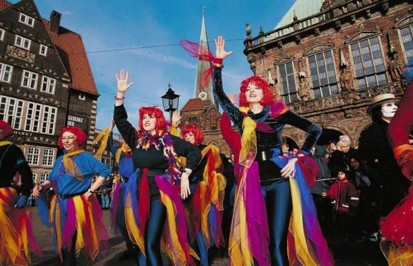 bunte farbgestatung karnevalskostüme ideen