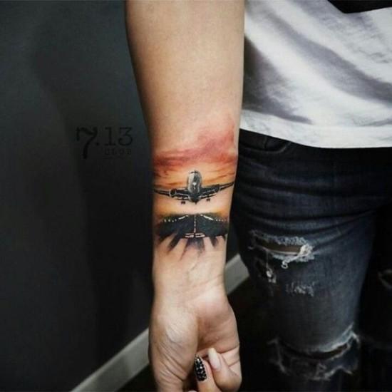 flugzeug reisen wanderlust tattoo ideen