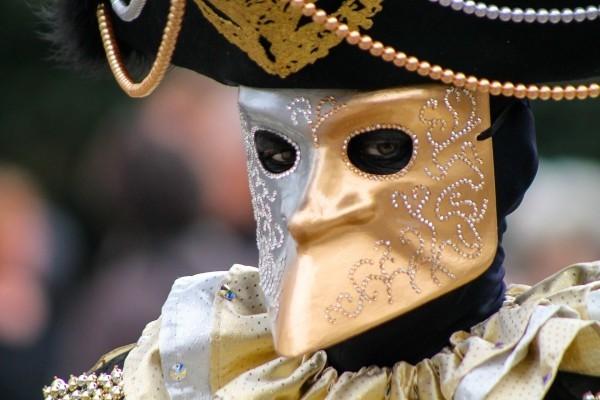 karnevalskostüme ideen goldenes gesicht