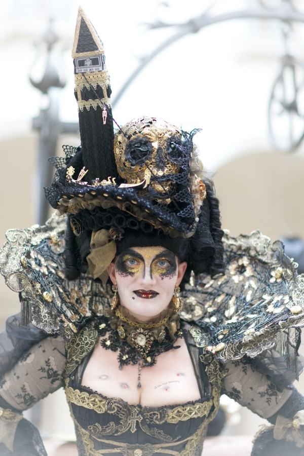 karnevalskostüme ideen venedig am kopf