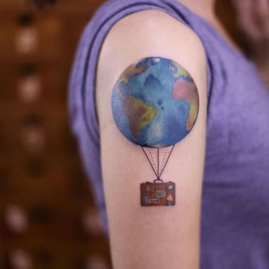 koffer globus wanderlust tattoo ideen