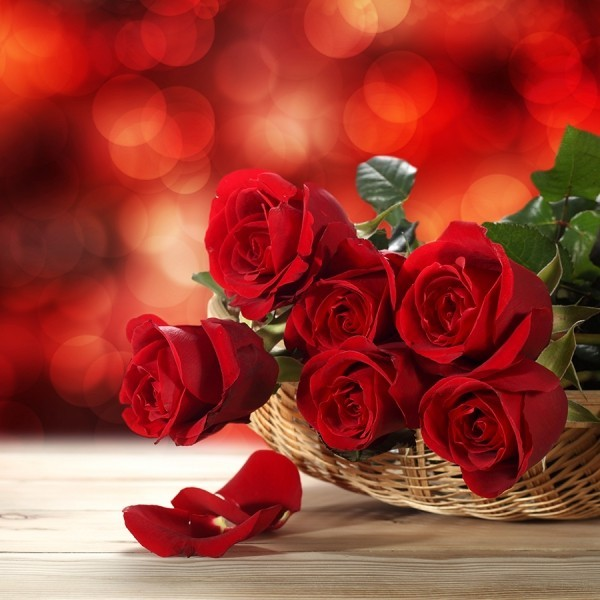 korb mit tollen rosen valentinstag ideen
