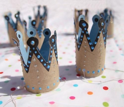 kronen basteln mit kindern für fasching