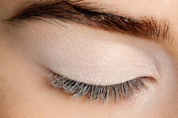 lidschatten base smokey eyes schminken