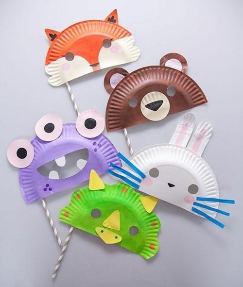 lustige masken basteln mit kindern aus papptellern