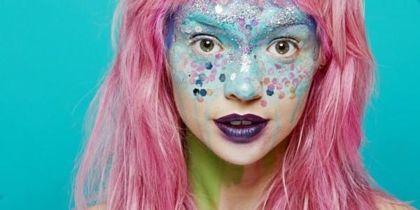 meerjungfrau schminken lila lippenstift glitzer