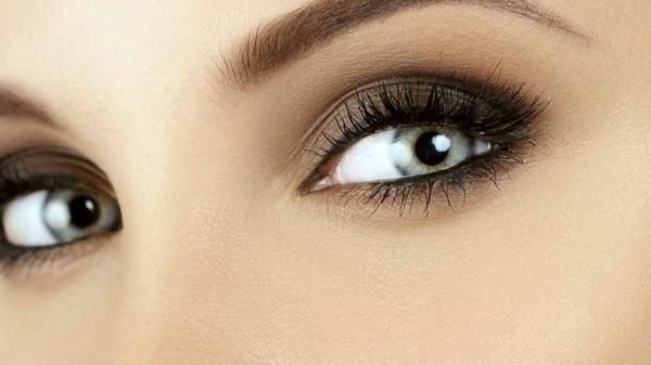 perfekte smokey eyes schminken