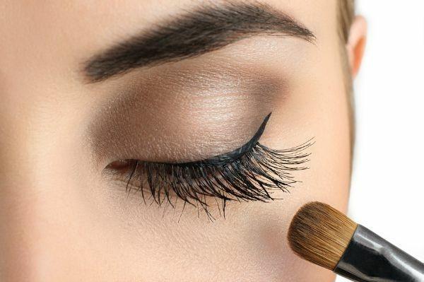 smokey eyes schminken eyeliner
