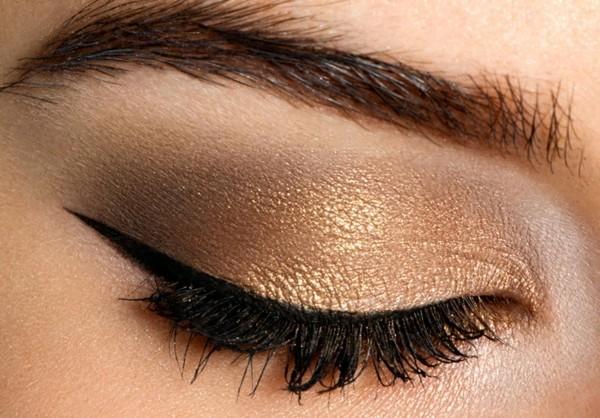 smokey eyes schminken gold lidschatten