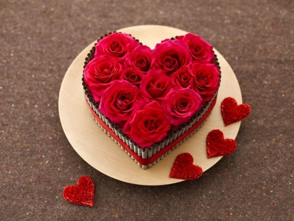 valentinstag ideen teller herz rosen