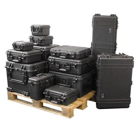 verschiedene schwarzen werkzeugkoffer