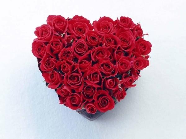 viele rosen ein herz valentinstag ideen