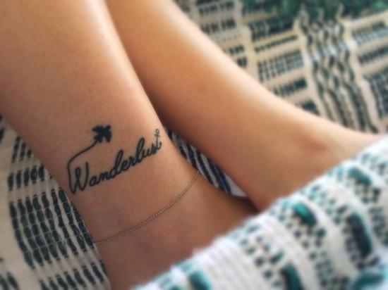 wanderlust tattoo ideen fußgelenk anker