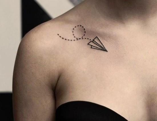 wanderlust tattoo ideen origami flieger