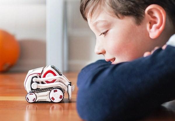 8 originelle Hi-Tech Geschenke für Kinder ab 3 Jahren anki cosmo smart roboter mit persönlichkeit
