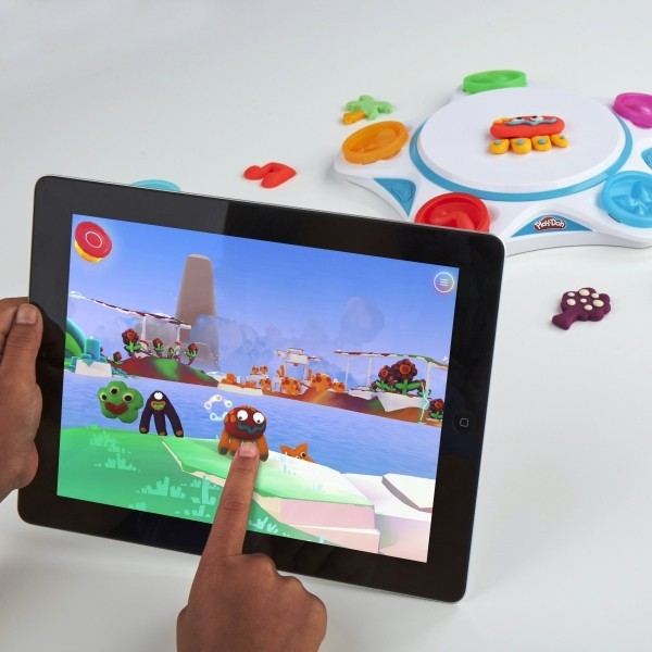 8 originelle Hi-Tech Geschenke für Kinder ab 3 Jahren play doh kreatur in spielewelt
