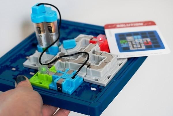8 originelle Hi-Tech Geschenke für Kinder ab 3 Jahren think fun circuit maze brettspiel review