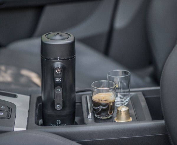 Die besten Auto Gadgets 2019, die für mehr Sicherheit und Komfortunterwegs sorgen handpresso kaffeemaschine fürs auto