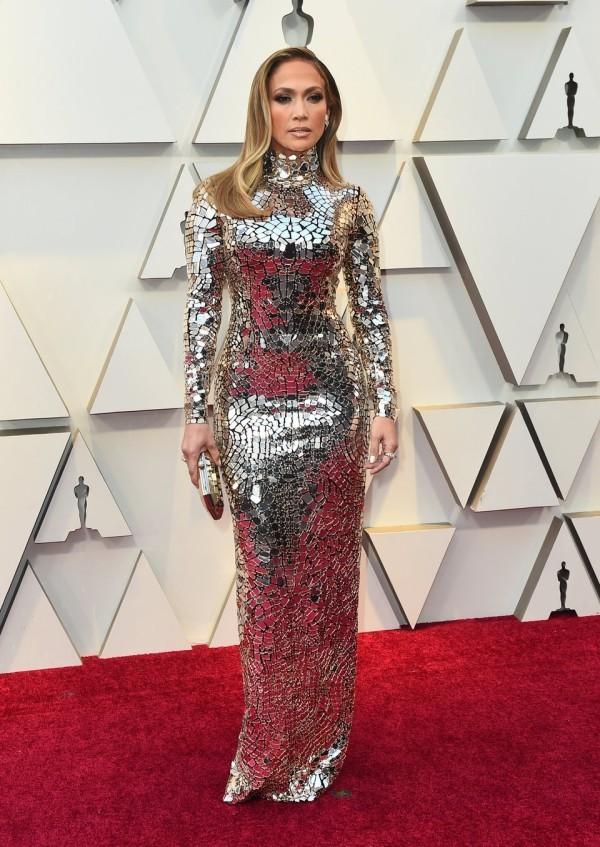 Die besten Outfits bei den Oscars 2019 Jennifer Lopez in glitzerndem Kleid