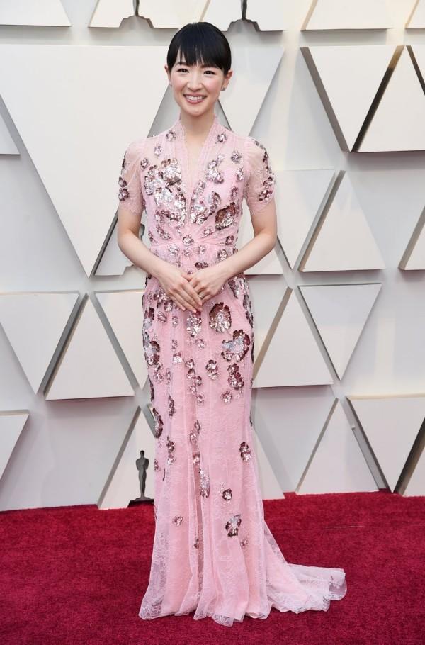 Die besten Outfits bei den Oscars 2019 Marie Kondo hellrosa Kleid florale Muster