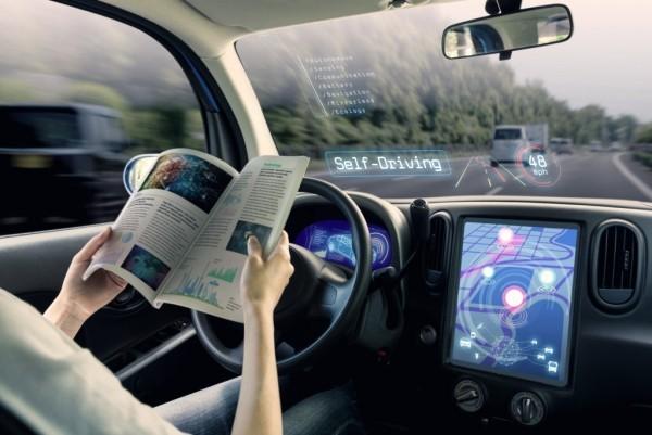 Erste autonom selbstfahrende Autos kommen noch 2019 auf den Markt roboter autos aus der zukunft
