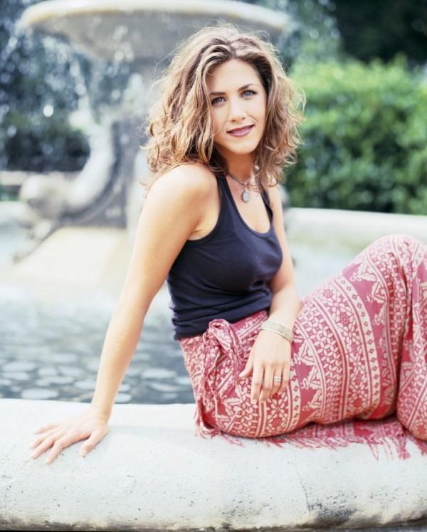 Jennifer Aniston 1994 schulterlanges hellbraunes Haar