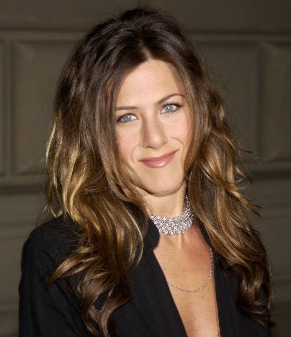 Jennifer Aniston charmant lächeln