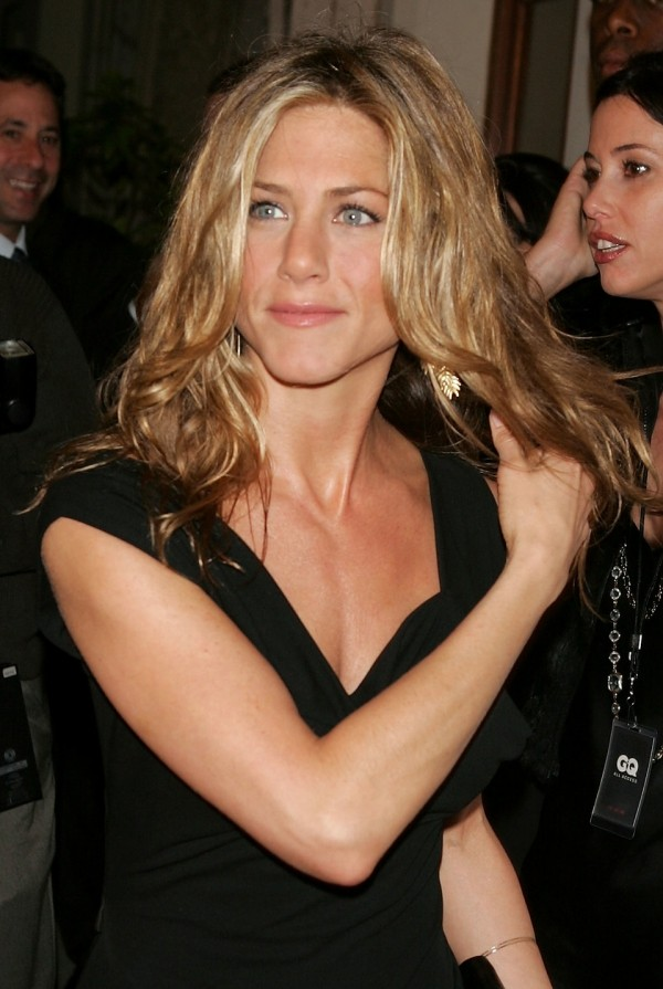 Jennifer Aniston hellblondes Haar