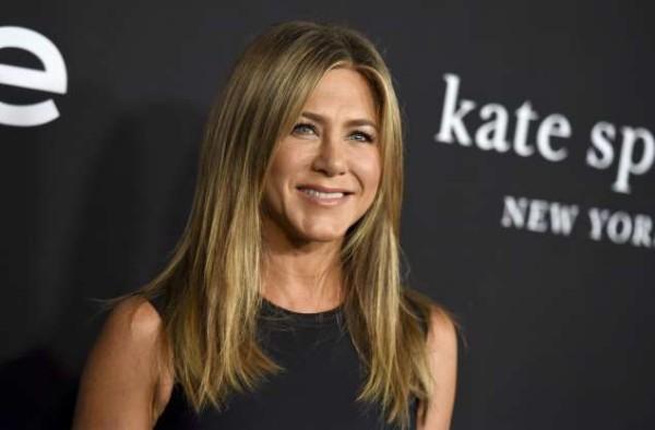 Prominente Jennifer Aniston 50 Jahre alt mädchenhaftes Aussehen