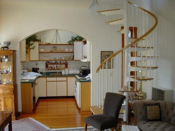 Treppenhaus Sofa und andere Sitzmöbel