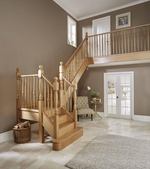 Treppenhaus wuinderbarer Luxusstuhl