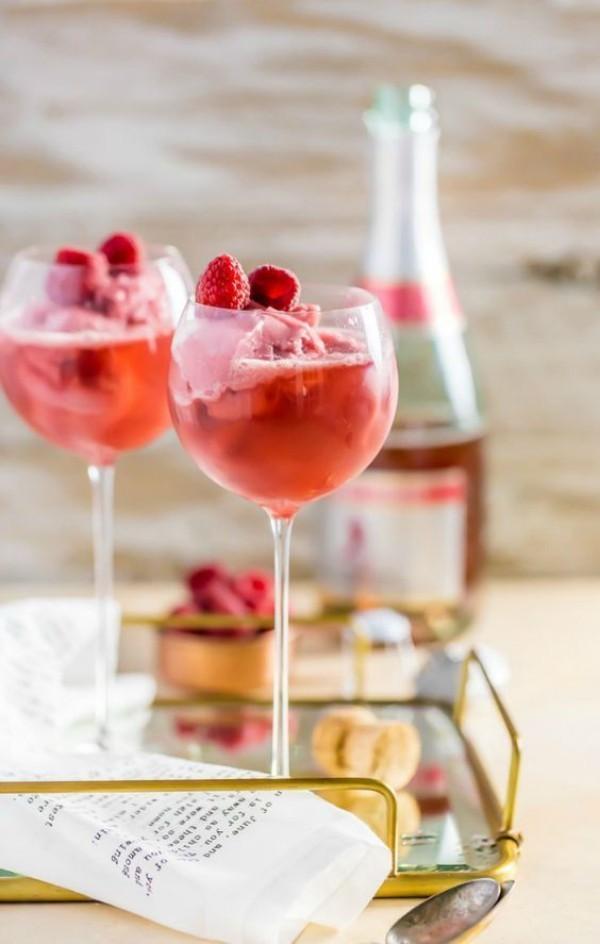 Valentinstag leckerer Rose Wein