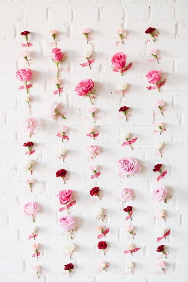 Wandgestaltung aus tollen Rosen Valentinstag