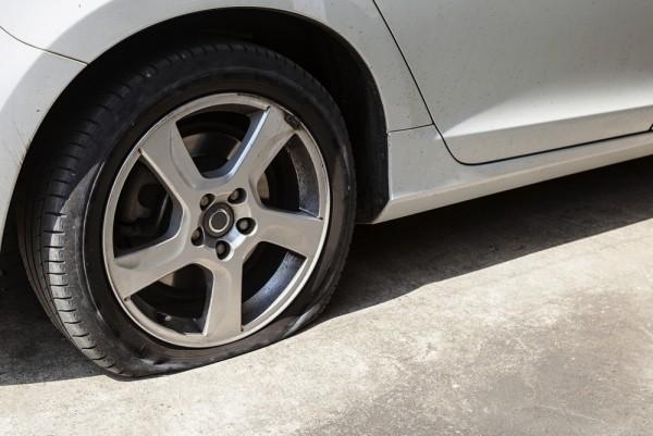 Wissenschaftler entwickeln 3D-gedrucktes Gummi, das sich selbst repariert plattfuß auto reifen das sich repariert