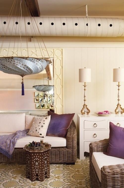 Wohnzimmer mit femininen Touches mit Elementen im Industrial Style