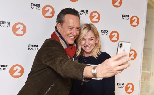 Zoe Ball BBC und Richard E. Grant bei BBC