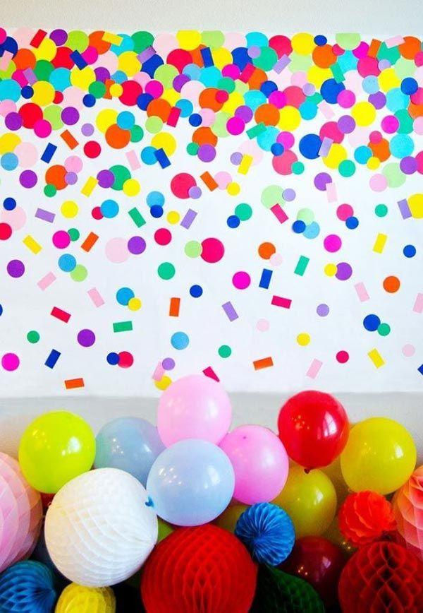 dekoideen party voller verschiedener farben