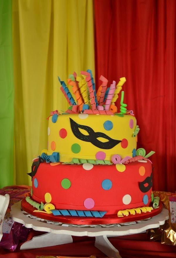 dekoideen torte karnevalsthema