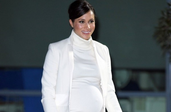 ein weißes outfit meghan markle