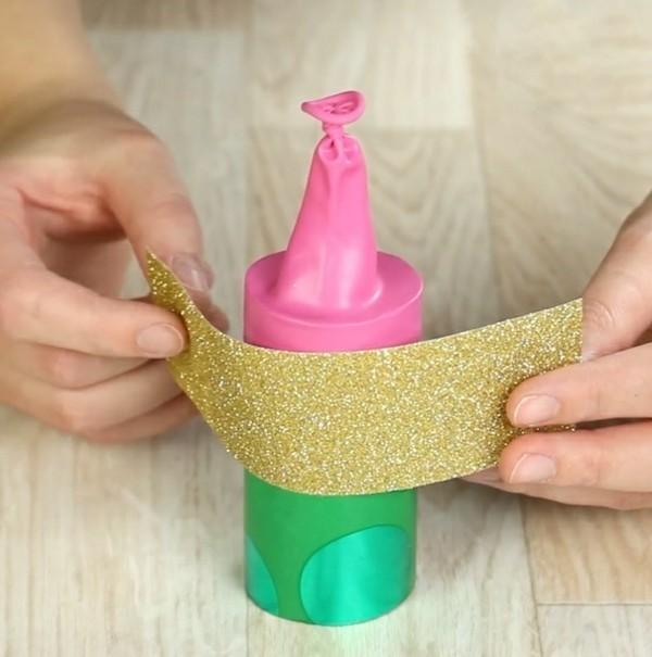 konfettikanone aus klorolle und ballon anleitung